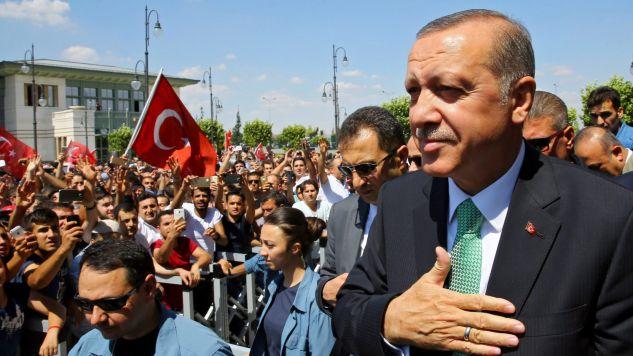 Prezydent Turcji wciąż cieszy się sporym poparciem (fot. PAP/EPA/TURKISH PRESIDENTAL PRESS OFFICE)