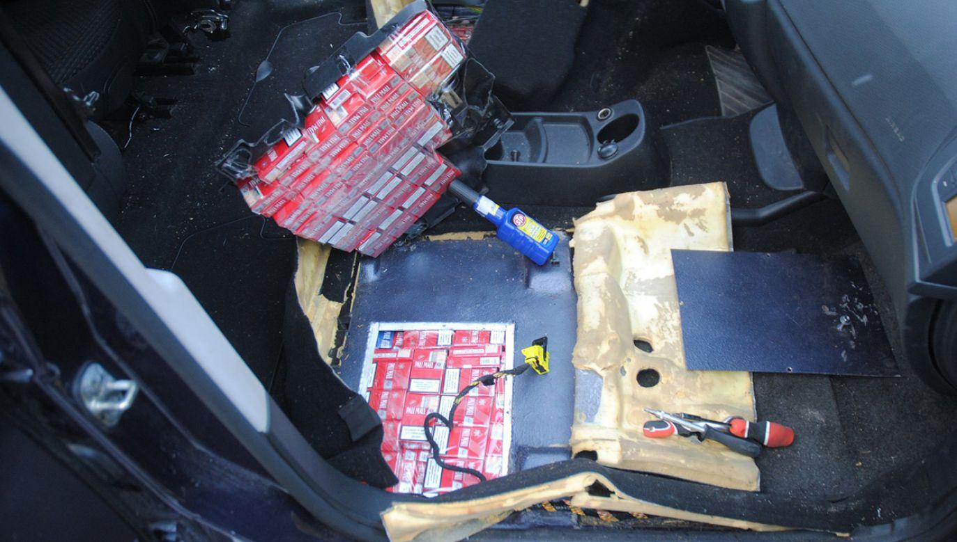 Samochodem marki Citroen kierował 27-letni obywatel Litwy (fot. podlaski.strazgraniczna.pl)