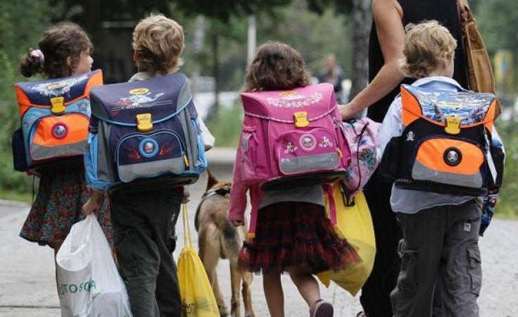 W Polsce ponad 3,8 mln dzieci korzysta z programu 500 plus (fot. Andreas Rentz/Getty Images)