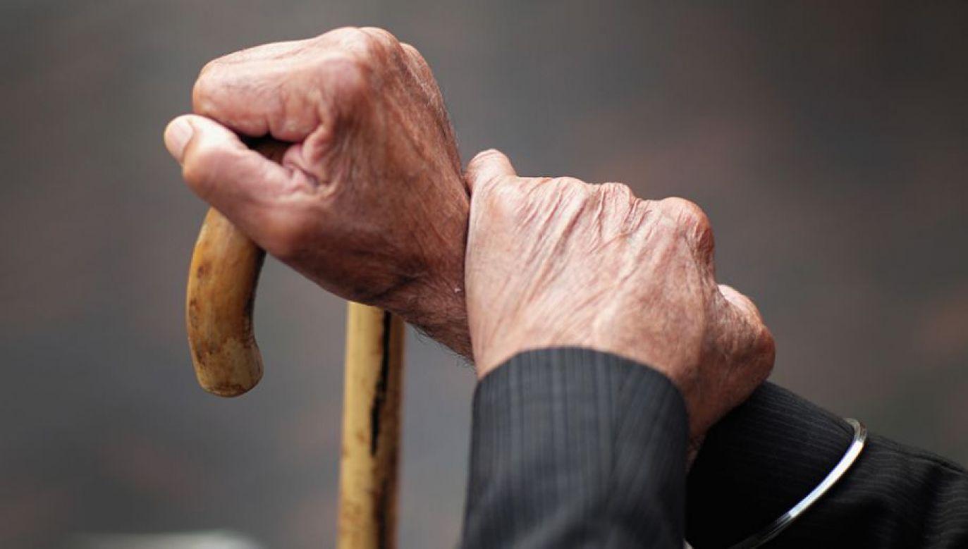 Nowa ustawa nieco poprawiła finanse osób represjonowanych (fot.Christopher Furlong/Getty Images)