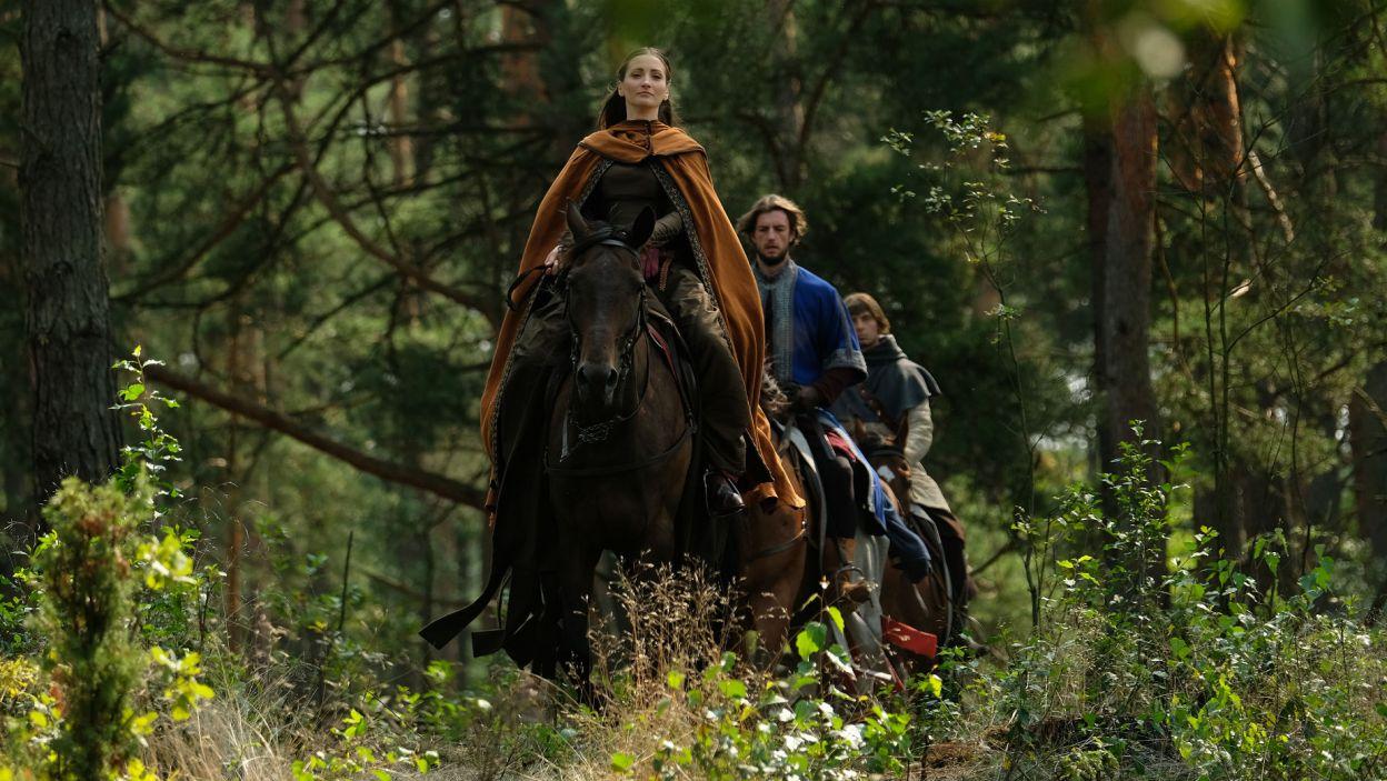 Mija trochę czasu. Helena i Guncel wybierają się na przejażdżkę (fot. TVP)