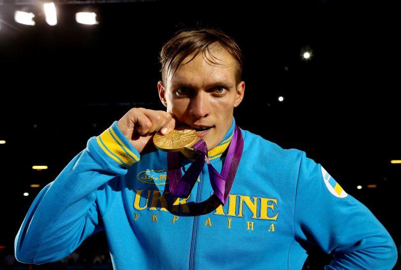 Usyk ze złotym medalem (fot. Getty Images)