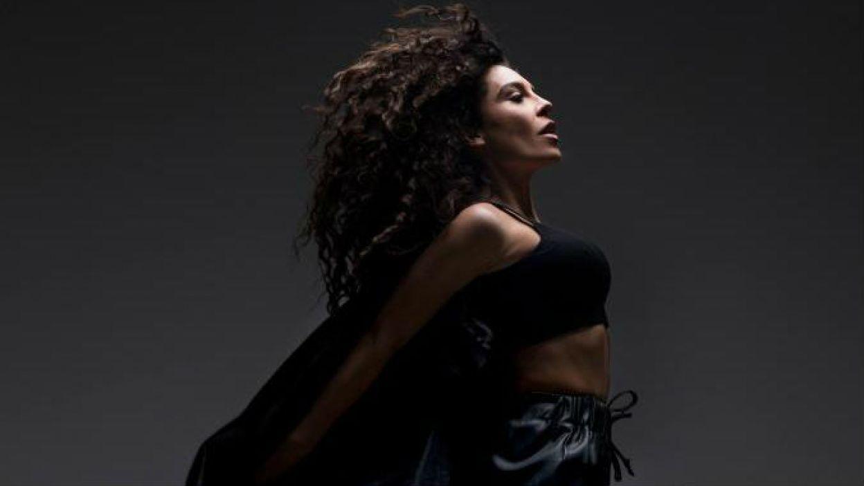 Grecja: Janna Terzi to 38-latka z Aten. Wokalistka upodobała sobie gatunki pop i laiko (fot. Eurovision.tv)
