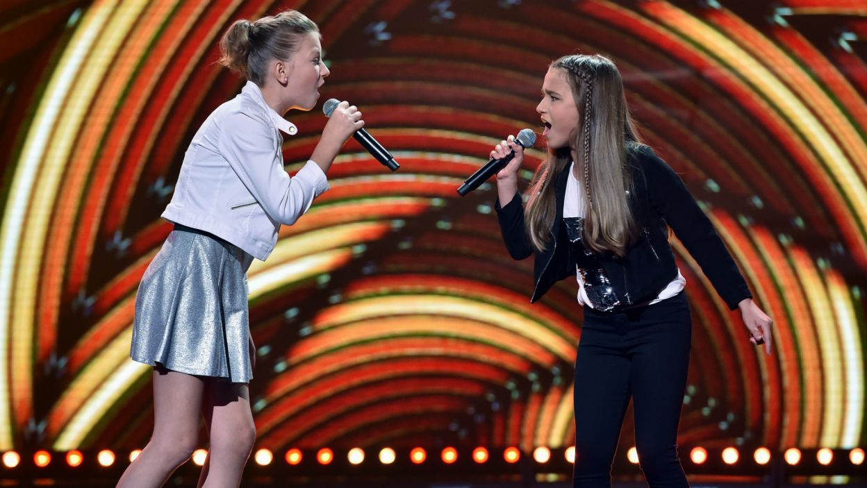 """Alicja Rega i Monika Bogdanowicz zaśpiewały """"Daylight in Your Eyes"""" niemieckiego girlbandu No Angels (fot. I. Sobieszczuk)"""