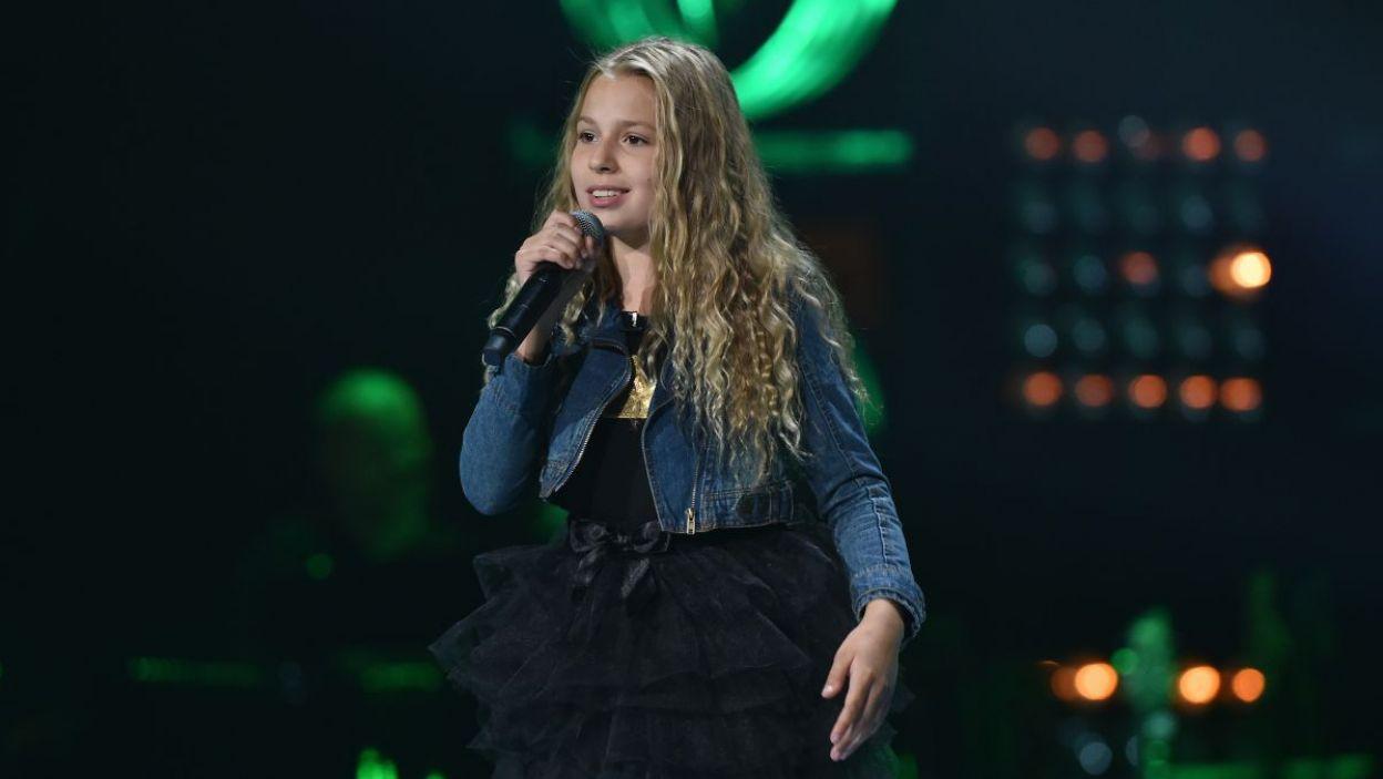12-letnia Lena Wlazłowska zaśpiewała piosenkę Sylwii Grzeszczak. Miała powody do radości? (fot. TVP/I. Sobieszczuk)
