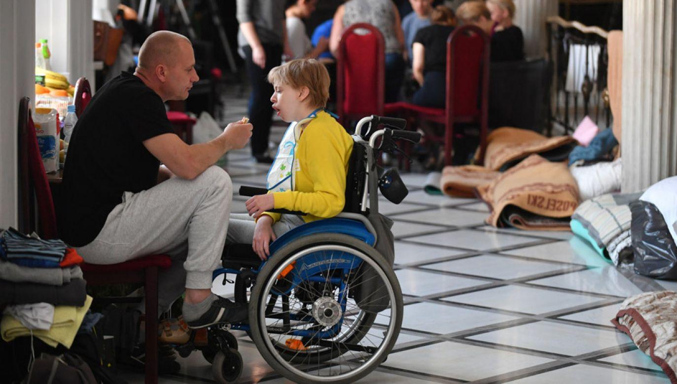 W Sejmie trwa stacjonarny protest rodziców osób niepełnosprawnych oraz ich podopiecznych (fot. PAP/Bartłomiej Zborowski)