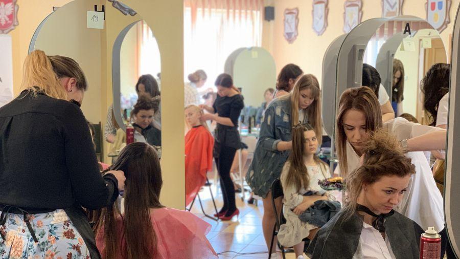 Młodzi Fryzjerzy Walczą O Nagrody W Kaliszu Tvp3 Poznań