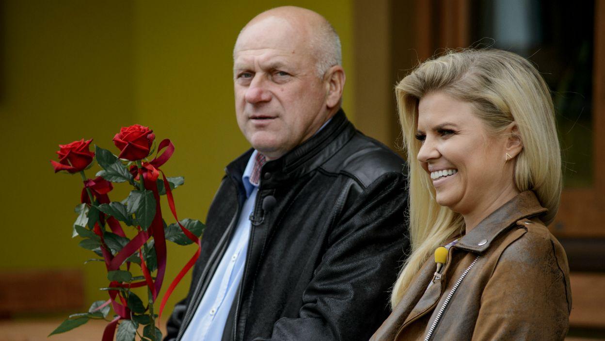 Jan przywitał swoje wybranki czerwonymi różami (fot. TVP)