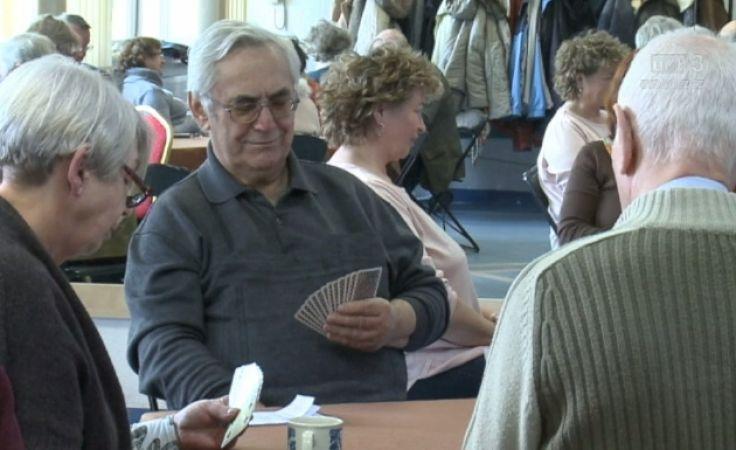 Brydż sposobem na aktywizację seniorów