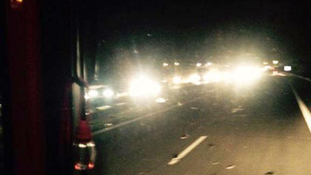 Wypadek na A2 w okolicach Świebodzina. Zderzenie dwóch ciężarówek i dwóch samochodów osobowych
