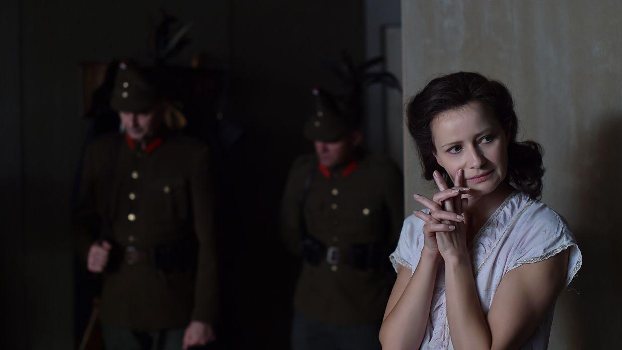 Dążąca po trupach do celu agentka i kochliwa dama wplątana w polityczne rozgrywki. Historyczna Krystyna Skarbek jest nieoczywistą postacią  (fot. I. Sobieszczuk\TVP)