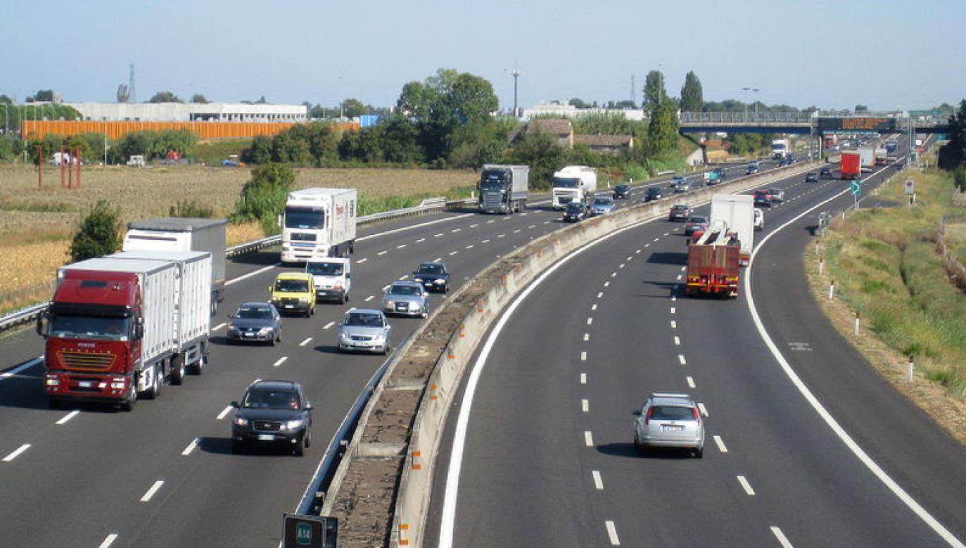 Do dróg o znaczeniu obronnym, oprócz dróg krajowych i wojewódzkich, będzie można zaliczać także drogi publiczne innych kategorii (fot. flickr.com)