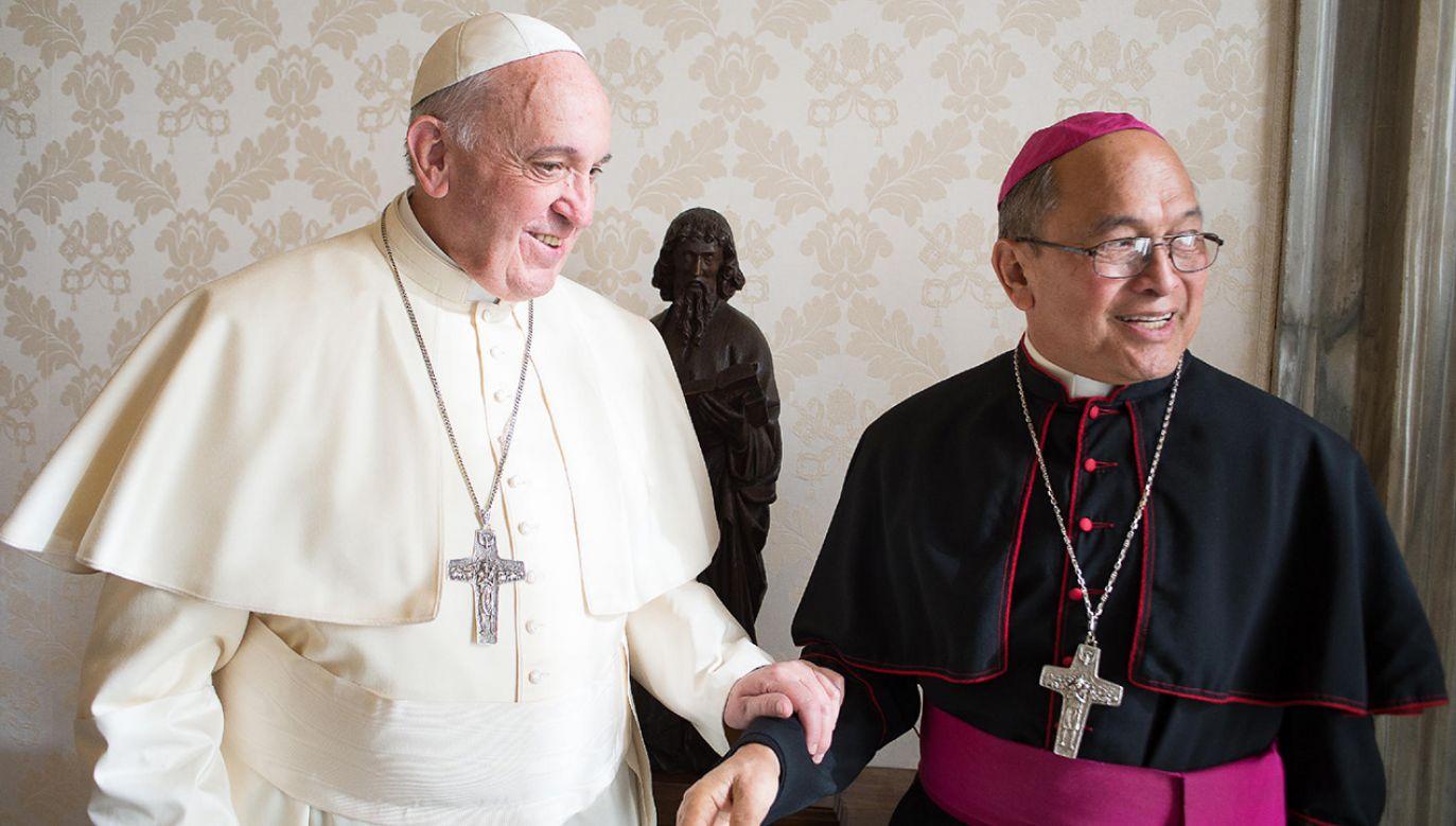 Abp Apuron (P) został uznany winnym pewnych zarzutów – podano w Watykanie (fot. EDIVALDO DA SILVA)