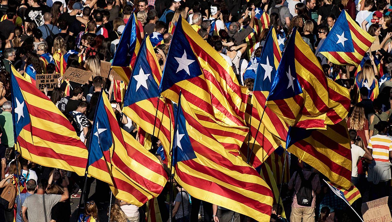 Kataloński rząd miał wprowadzić zmiany w funkcjonowaniu systemu kontroli środków publicznych, by dokonać przesunięć (fot. David Ramos/Getty Images)