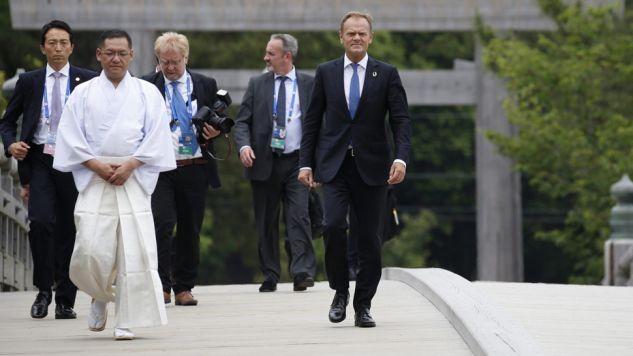 Donald Tusk poruszy temat migrantów podczas szczytu G7 (fot. PAP/EPA/TORU HANA)