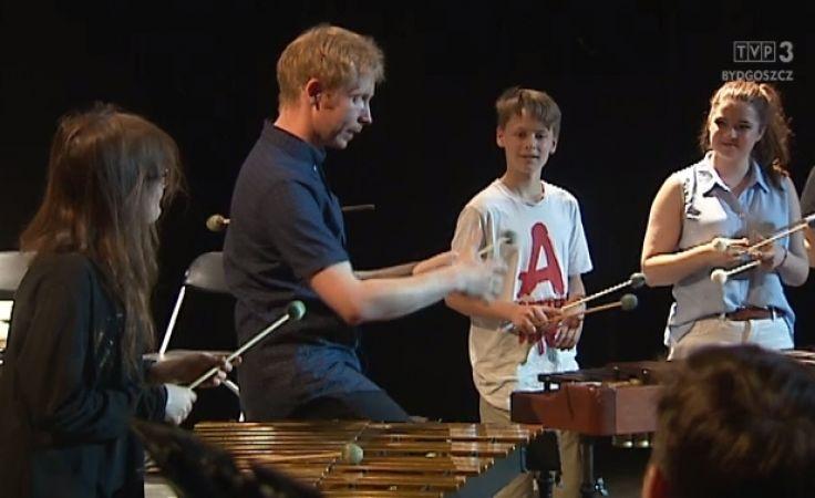 Wirtuozi perkusji grają i dzielą się talentem nad Brdą