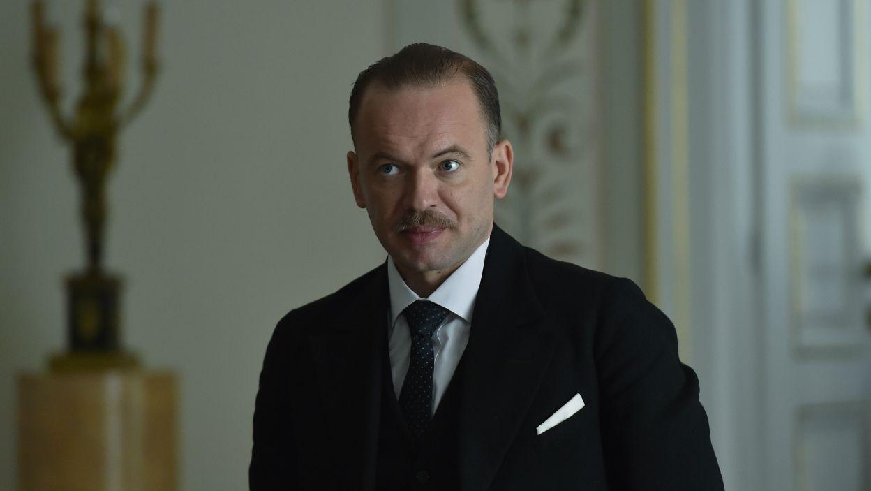 Postać Kazimierza Świtalskiego, również byłego szefa rządu, wykreował Grzegorz Mielczarek (fot. Ireneusz Sobieszczuk/TVP)