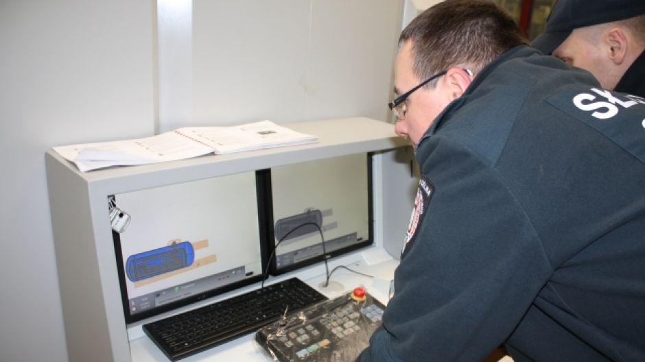 Podjęto decyzję o demontażu i prześwietleniu butli promieniami rentgenowskimi (fot. IC Olsztyn)