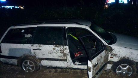 Pijany kierowca zakończył jazdę w przydrożnym rowie