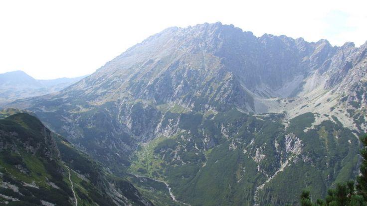 Dolina Roztoki stanowi odgałęzienie Doliny Białki. Można do niej wejść ze szlaku prowadzącego do Morskiego Oka, fot. commons.wikimedia.org/Sammler