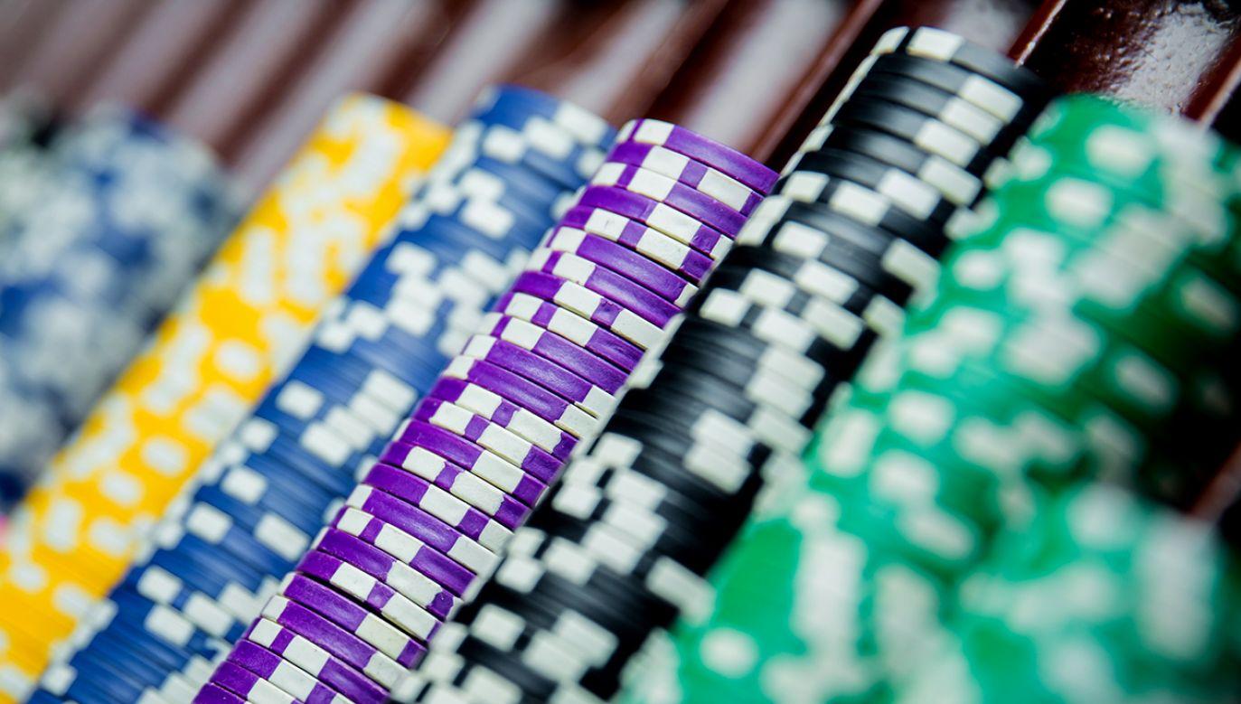Na zabezpieczonych maszynach zainstalowane były gry o charakterze losowym, prowadzone w celach komercyjnych (fot. Shutterstock/vladibulgakov)