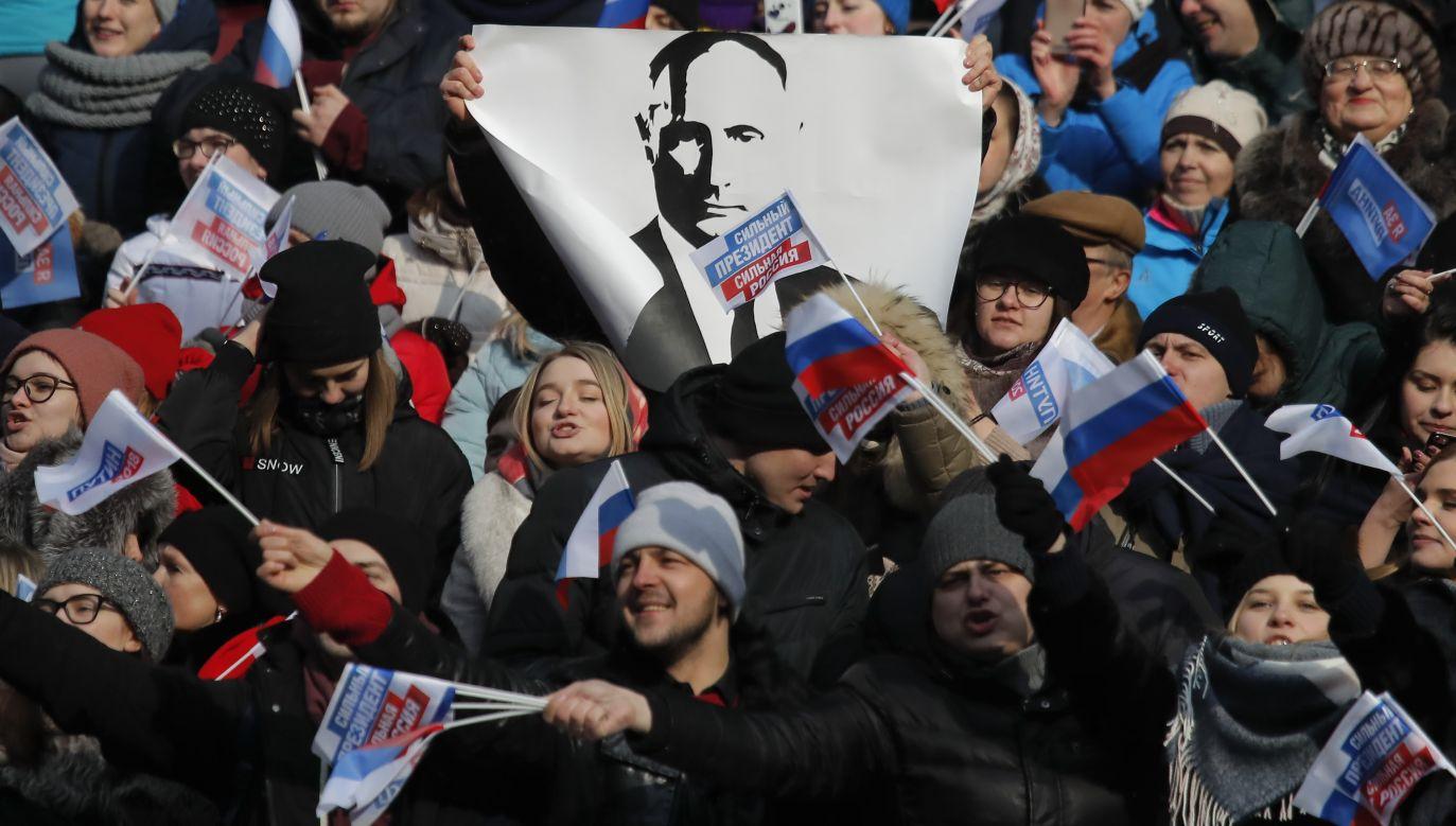 Przedwyborczy wiec poparcia dla Władimira Putina na stadionie Łużniki w Moskwie, marzec 2018. Fot. REUTERS/Maxim Shemetov