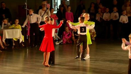200 par na parkiecie Ogólnopolskiego Turnieju Tańca Towarzyskiego