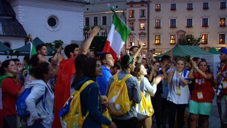 Najwięcej widać flag z Włoch, Francji, Hiszpanii