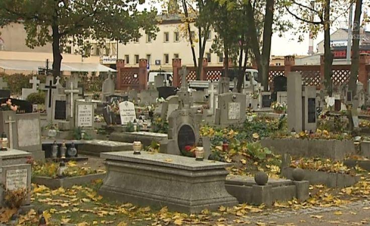 Rusza zbiórka datków na odnowę bydgoskich cmentarzy