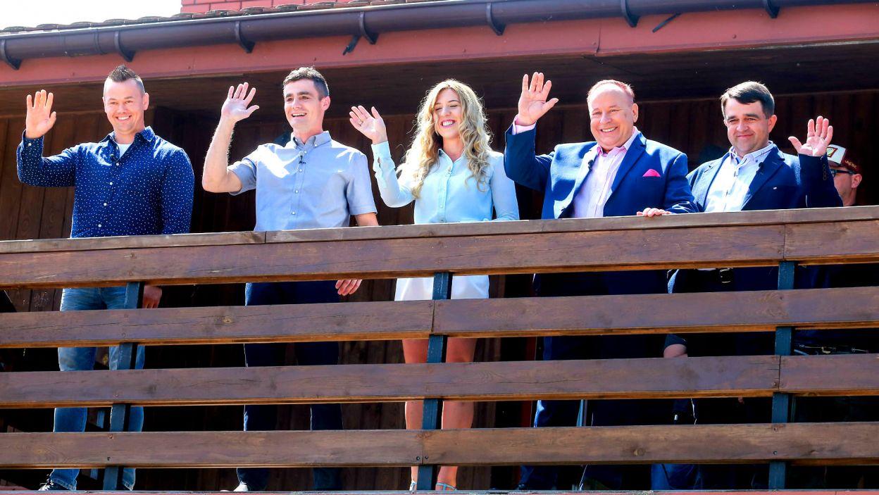 Pierwsze spotkanie, jeszcze z balkonu, zrobiło na rolnikach duże wrażenie (fot. TVP)