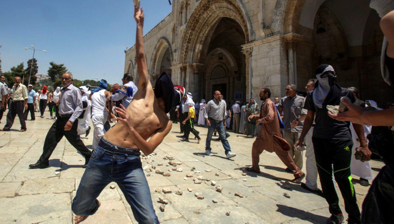 Po zabójstwie nastolatka doszło do zamieszek (fot. PAP/EPA/MAHFOUZ ABU TURK)