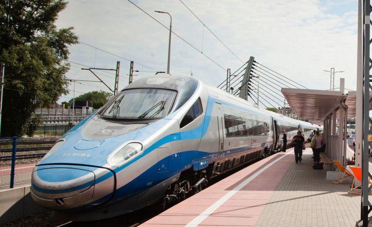PKP Intercity uruchomi jesienią nowe połączenia w Tatry i Beskidy (fot. Twitter/PKP Intercity)