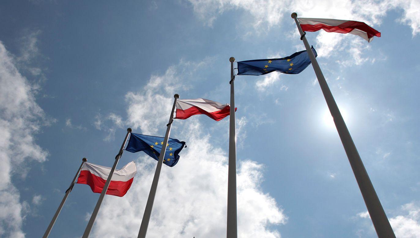 Zdaniem publicysty spór Warszawy z Brukselą może prowadzić do kolejnego przełomowego momentu w europejskiej historii politycznej (fot. REUTERS/Kacper Pempel)
