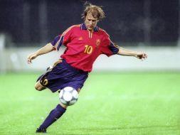 Gaizka Mendieta zdobyl bramkę w 90. minucie meczu z Jugosławią na Euro 2000 (fot. Getty Images)