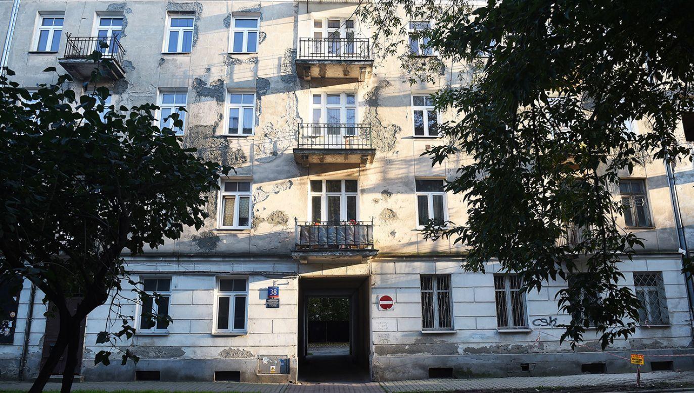 Kamienica położona przy ulicy Łochowskiej 38 w Warszawie (fot. arch.PAP/Radek Pietruszka)