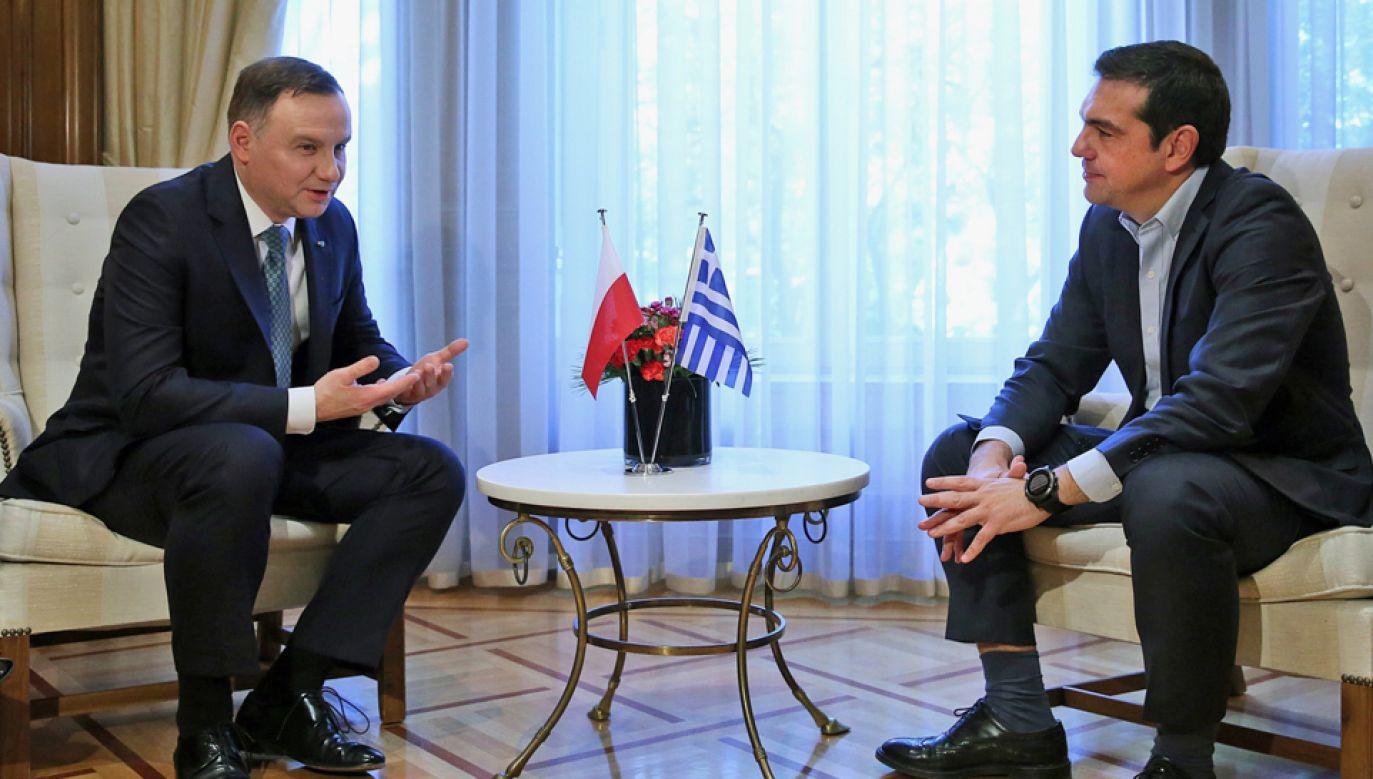 Prezydent Andrzej  Duda (L) rozmawiał m.in. z premierem Aleksisem Ciprasem (P) (fot. PAP/ PAP/EPA/ORESTIS PANAGIOTOU)