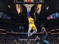 Niezwykłe sceny w Charlotte, porażka Clippers,