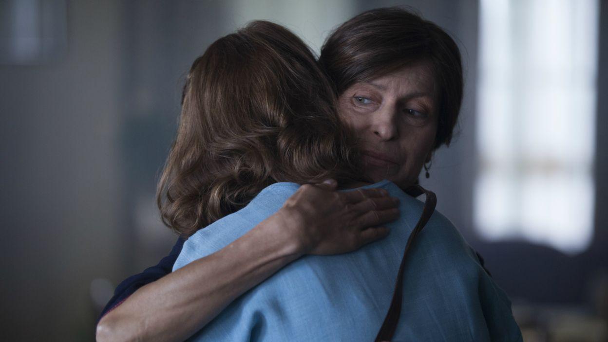 Marysia przyjmuje propozycję Jurka i wyprowadza się do chłopaka. Pożegnanie jest wzruszające (fot. TVP)