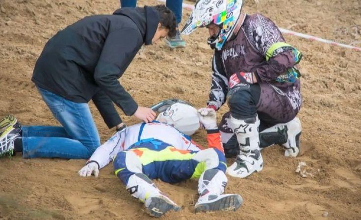 Tomasz Gollob uległ wypadkowi na torze motocrossowym w Chełmnie (fot. Piotr Przybylski)