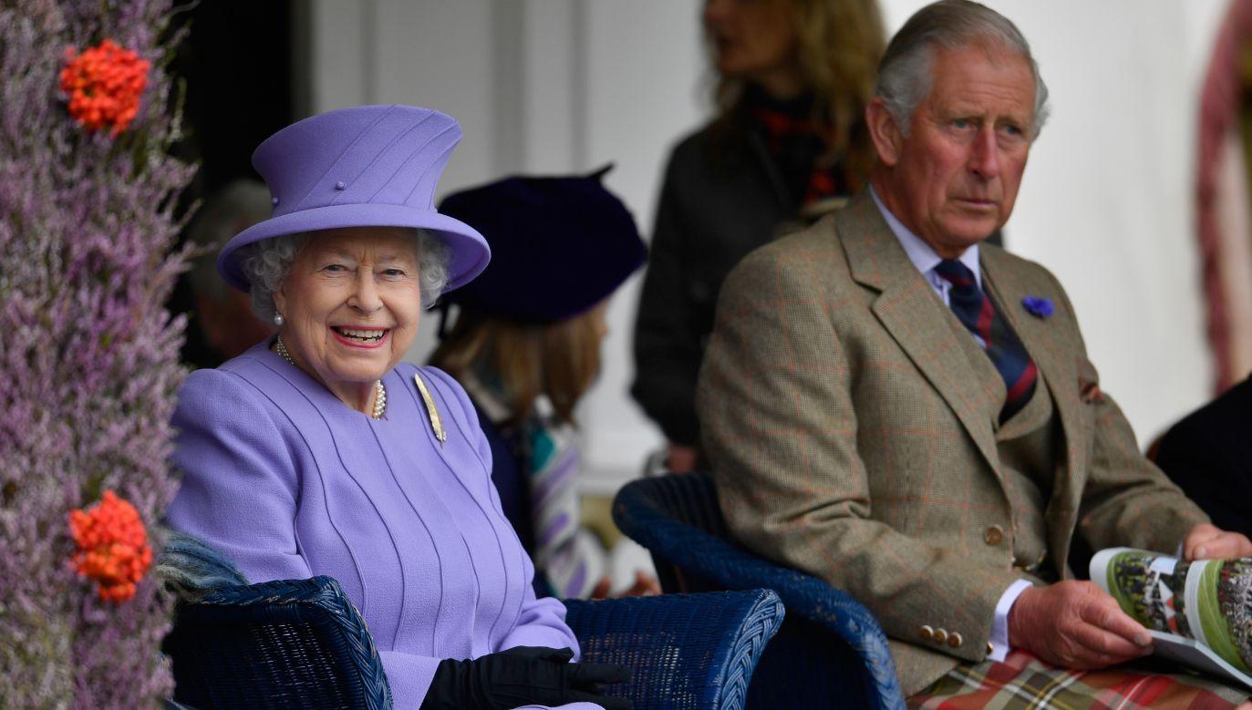 Królowa Elżbieta i książę Karol (fot. Getty Images/ Jeff J Mitchell)