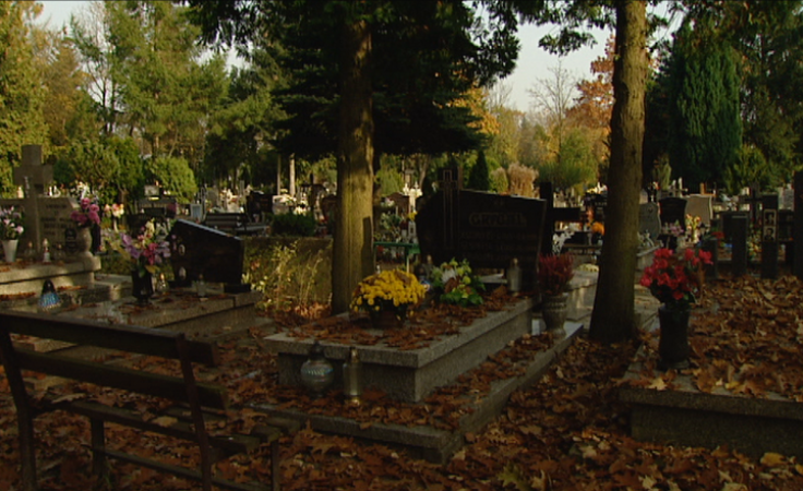 Jak przebiegają porządki na cmentarzu komunalnym?
