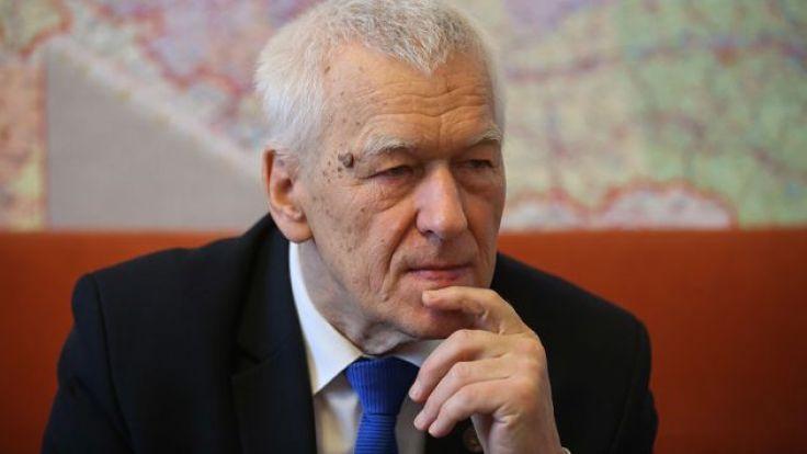"""Morawiecki uważa, że sprawą ZDF i odmowy przeprosin za """"polskie obozy""""  powinien się zająć PE (fot. arch.PAP/Rafał Guz)"""