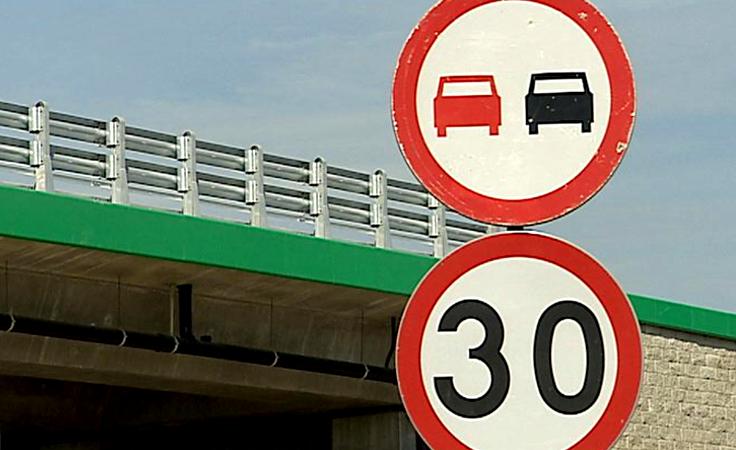 Rozwiązywanie problemów z utrudnieniami drogowymi