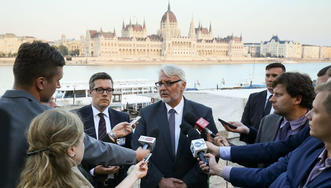 Szef polskiej dyplomacji w Budapeszcie (fot. PAP/Paweł Supernak)