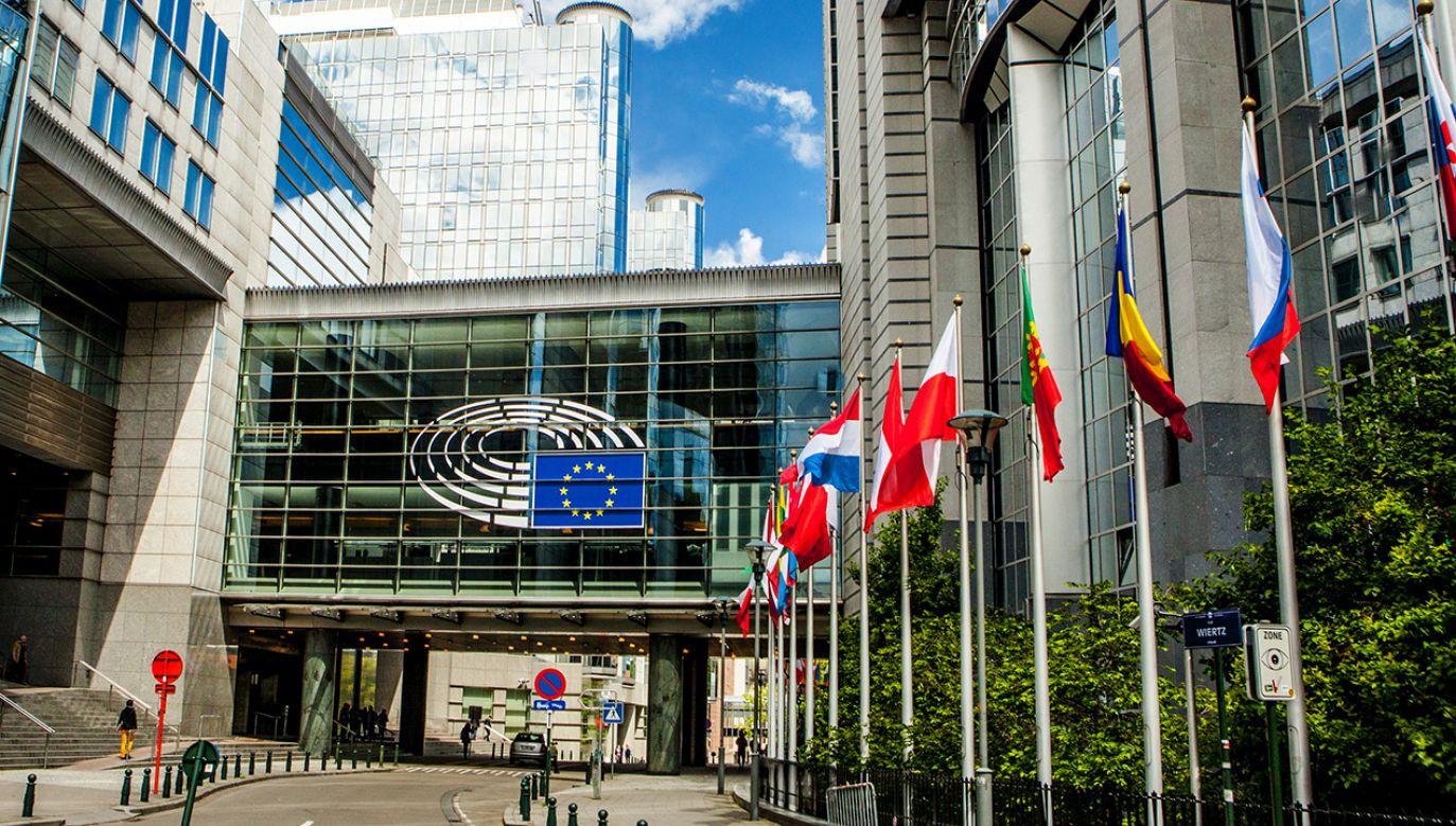 Europarlament planuje nową rezolucję ws. praworządności w Polsce (fot. Shutterstock/Alexandra Lande)
