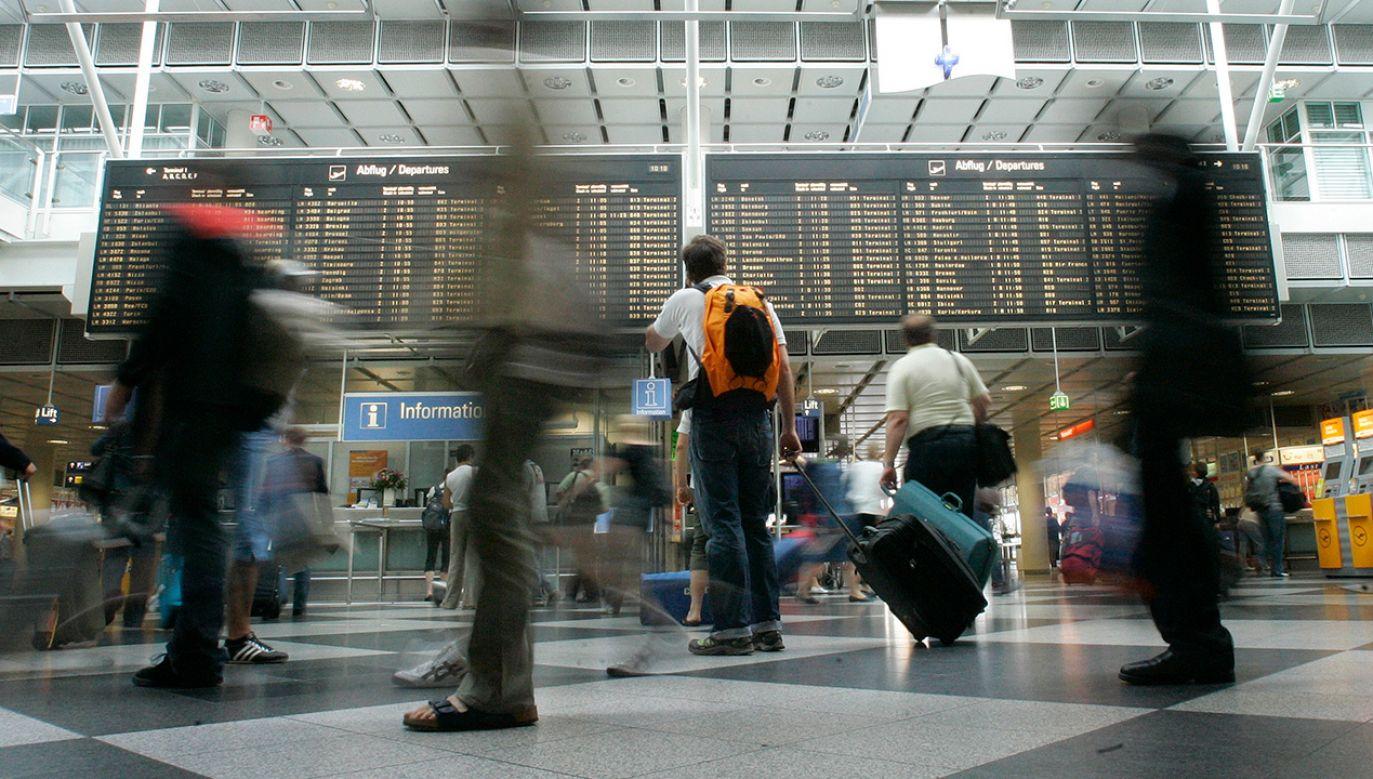 Izraelczykowi odmówiono wejścia na pokład samolotu ze względu na narodowość (fot. REUTERS/Michaela Rehle)