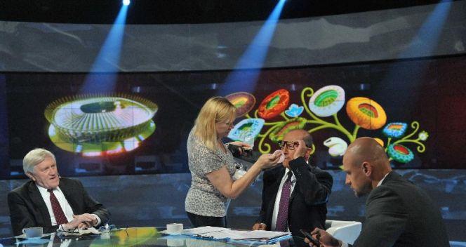 Ostatnie przygotowania do programu (fot. TVP/Ireneusz Sobieszczuk)
