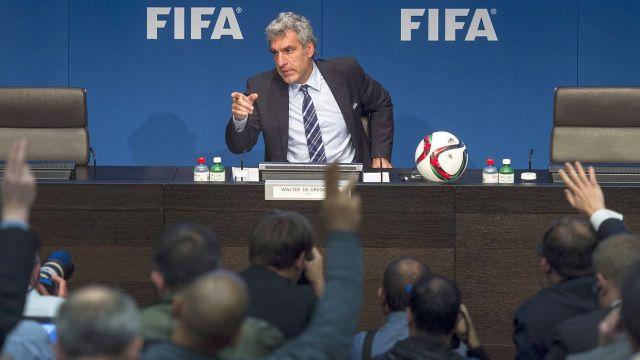 FIFA umywa ręce. Wybory i mistrzostwa bez zmian