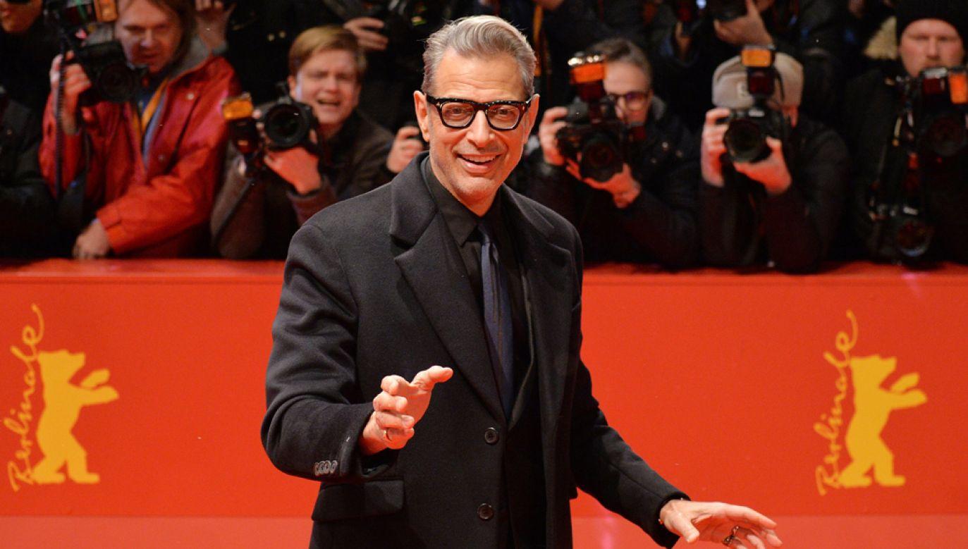 Jeff Goldblum na czerwonym dywanie 68. Festiwalu Filmowego w Berlinie (fot. PAP/EPA/PHILIPP GUELLAND)