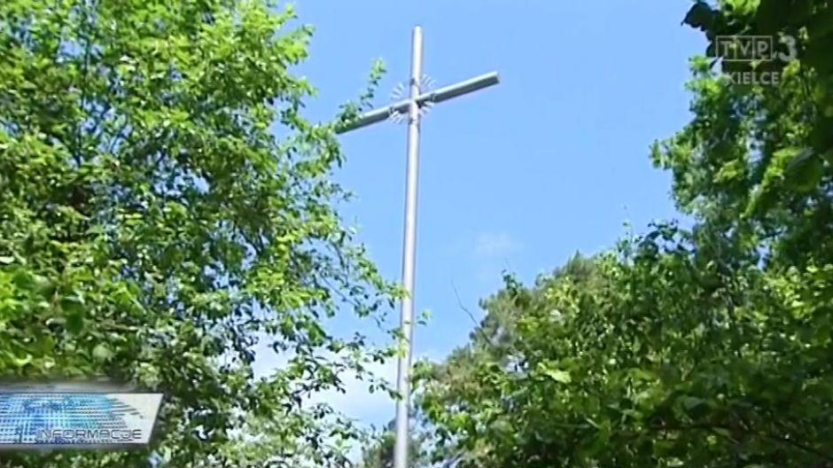 Uroczyste poświęcenie Krzyża na Bruszni